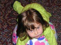 девочка на шаре (кликни, что-бы посмотреть)